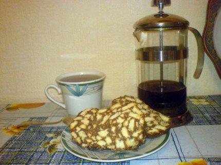 Рецепт: Шоколадный рулет к чаю