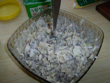 Печень с маринованным луком