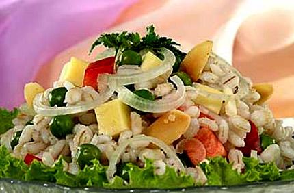Армейский салат как и полагается делается из перловки, которую многие очень...