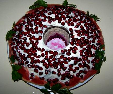 http://prigotovim.org/uploads/posts/2008-12/1228135685_salat-granatovyjj-braslet.jpg
