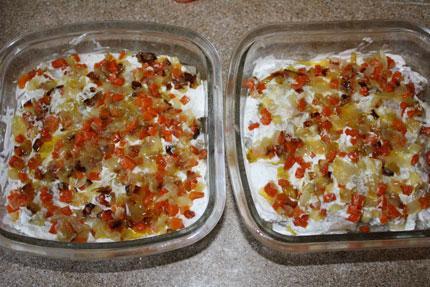 Скумбрия по-Голубцовски готова.  Приятного аппетита.  Залить водой по самые помидоры)...