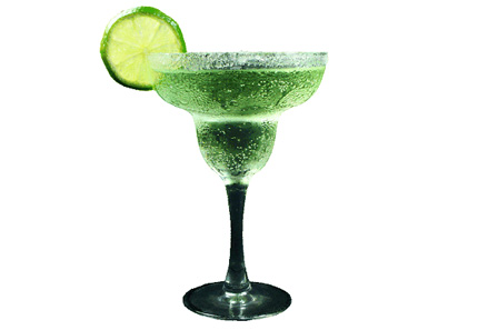 Какие спиртные напитки из чего пьют?